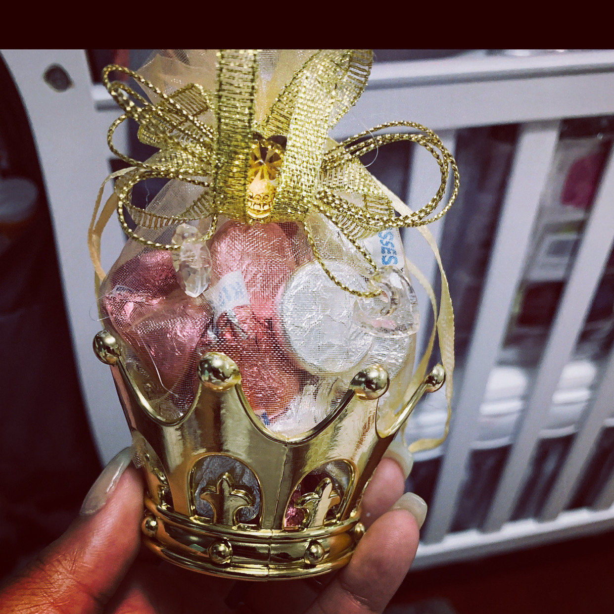 Crown party favor w/ hershey kisses (12)
