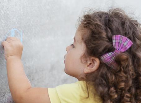 Dificuldade para limpar as paredes do condomínio? Conheça a tinta à prova de sujeira.