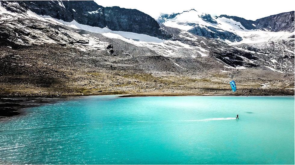 RIDING TO EXPLORE kitesurf aventure lac des Evettes glaciaire kitesurf Armelle Courtois Martin Thomas