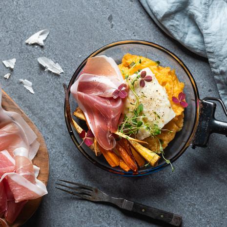 Ovnsbakt klippfisk med søtpotetpuré og Prosciutto di Parma