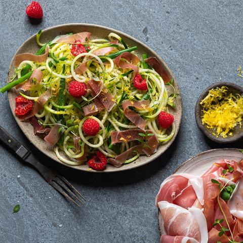 Squashspaghetti med Prosciutto di Parma