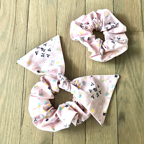 Scrunchies   Pale Pink Floral