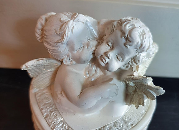 Harten doosje met twee engeltjes