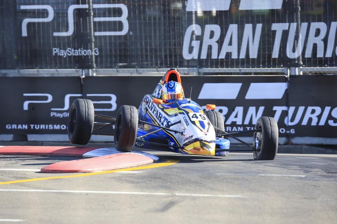 Formula Ford Homebush R7 2013