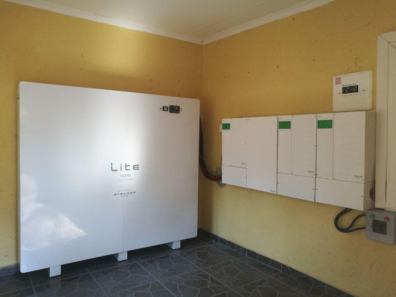 Lite 140-98 Installation with Schneider System