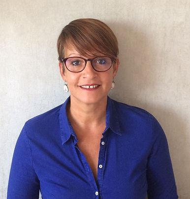 Stephanie Vuilquez thérapeuthe psychocorporelle Dijon coeur pivoine corps précieux