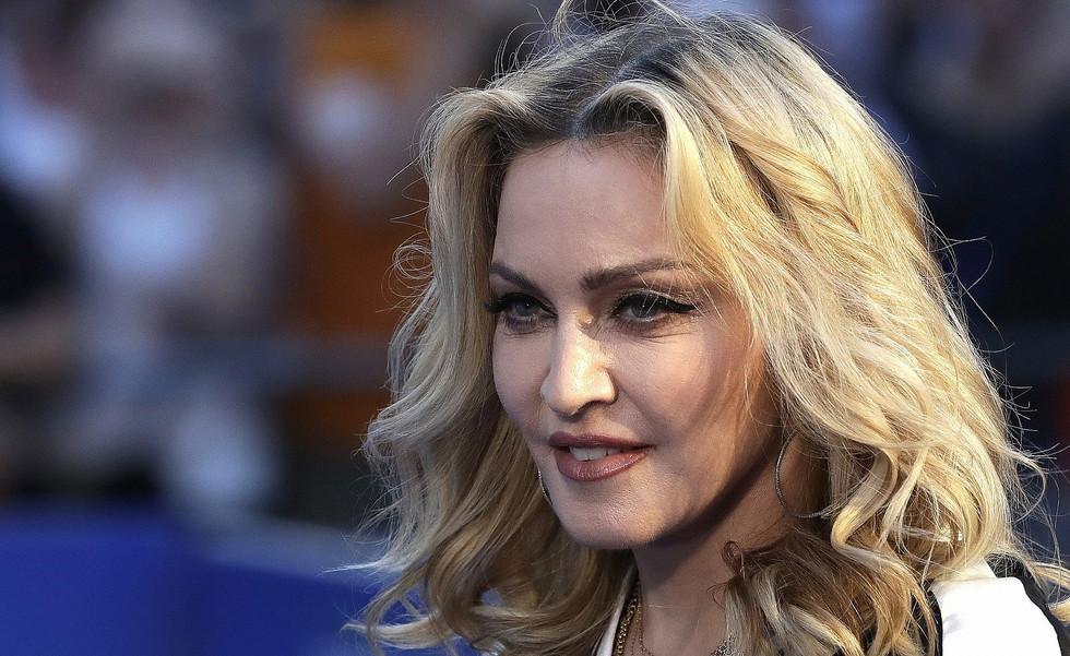 Madonna المغنية المشهورة مادونا