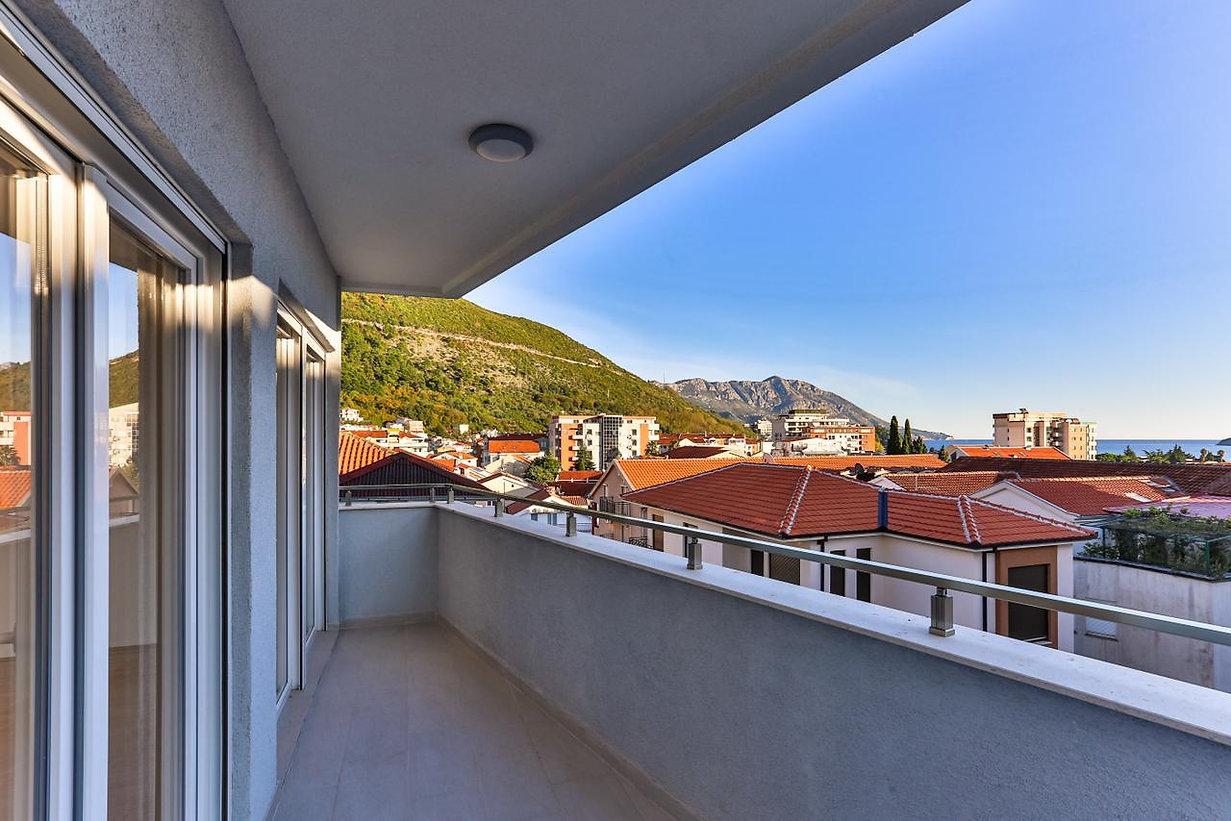 شقة للبيع في بودفا | الجبل الأسود
