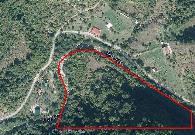 ارض في شمال الجبل الأسود