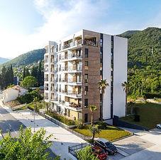 مبنى شقق في مدينة تيفات _ الجبل الأسود