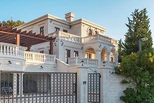 فيلة - قصر في الجبل الأسود
