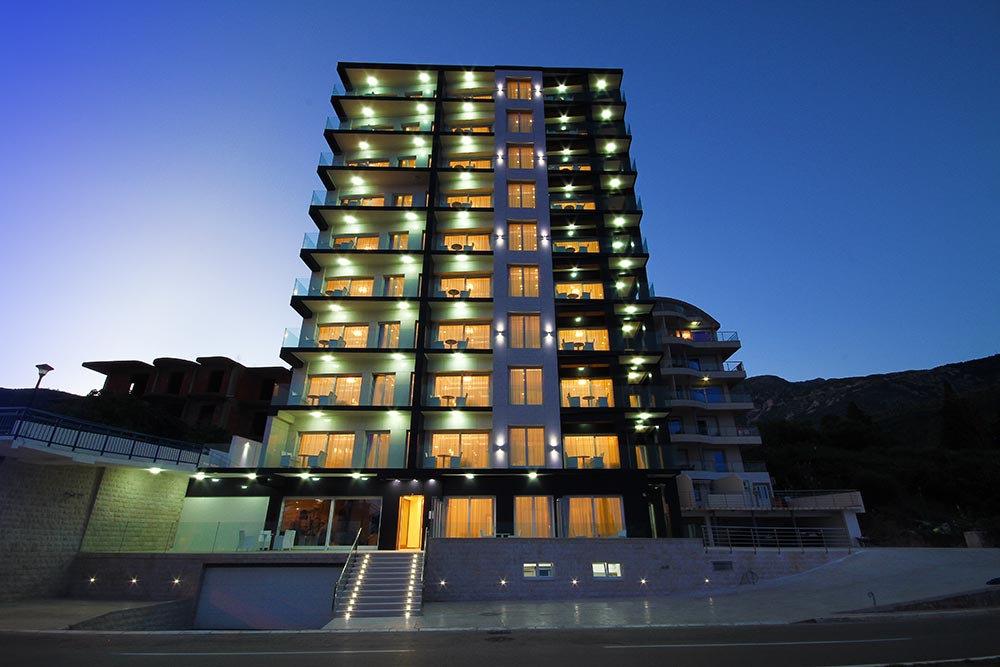 فندق للبيع _ الجبل الأسود