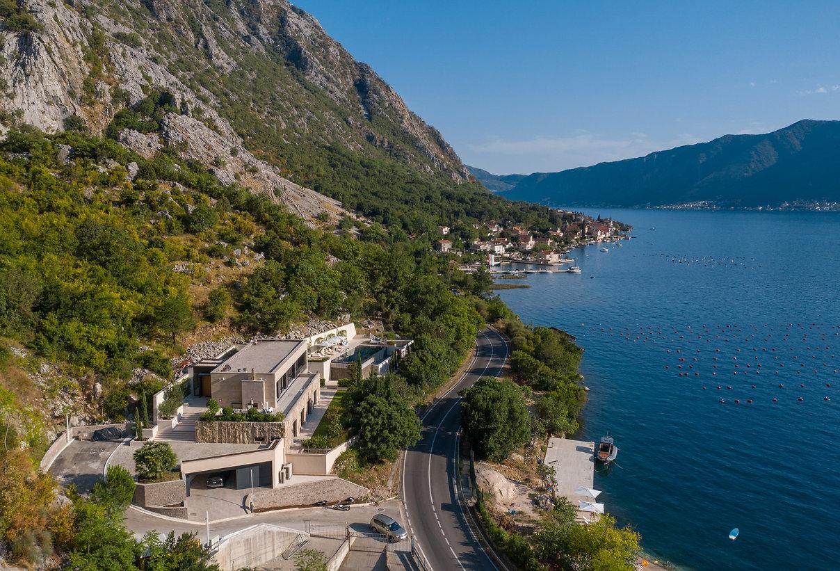 فيلا كبيرة على البحر في الجبل الأسود