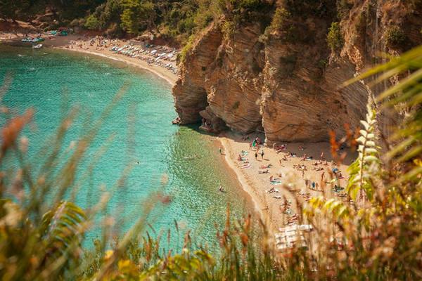 budva-mogren-beach.jpg