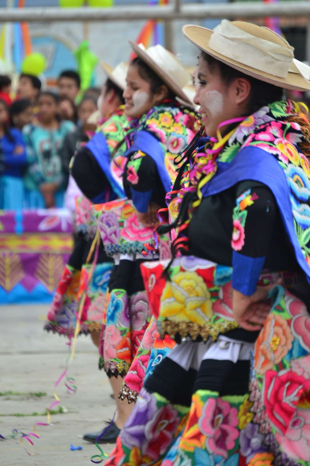 Top things to do in Lima - Retablo dancing show