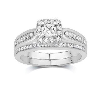 14kt Diamond Halo Engagement Ring