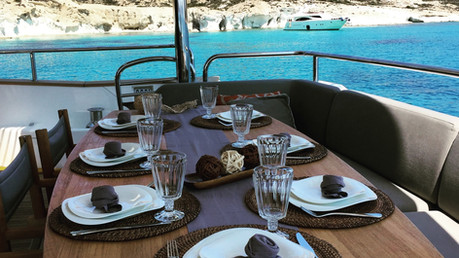 Private dining on a yacht