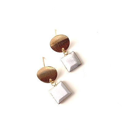 Howlite Drop studs - Gold