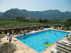 Sedir Resort Dalyan, Geniş Havuz ve Dağ Manzarası