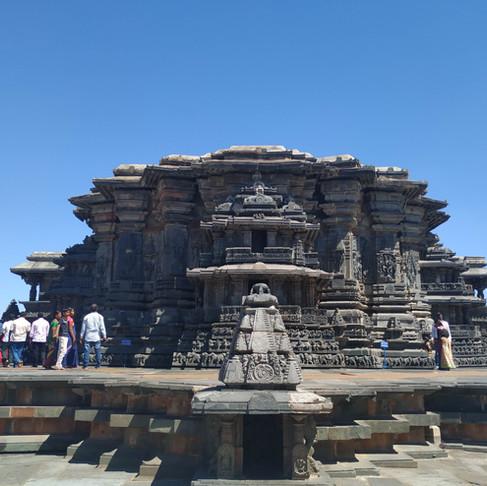 The Wondrous Temples of the Hoysaḷas