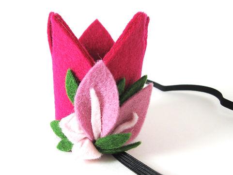 nr 6 kroon roze met lichte bloemen en zi