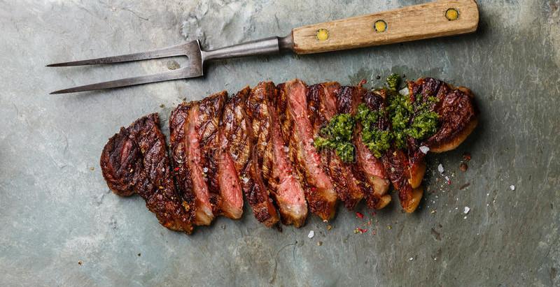 Entrecôte-Steak (rib eye) with Salsa