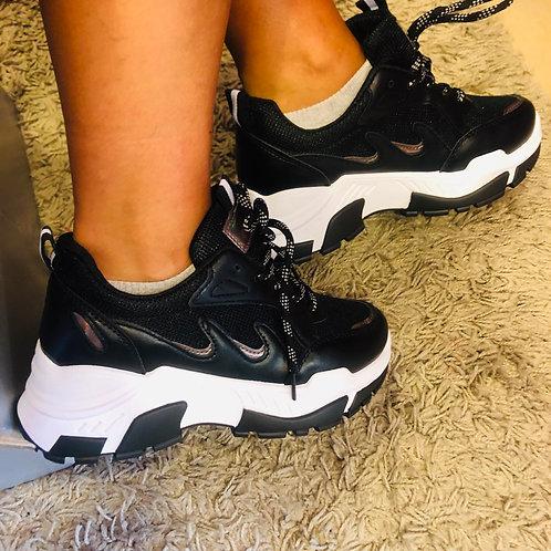 Sneakers Black & White