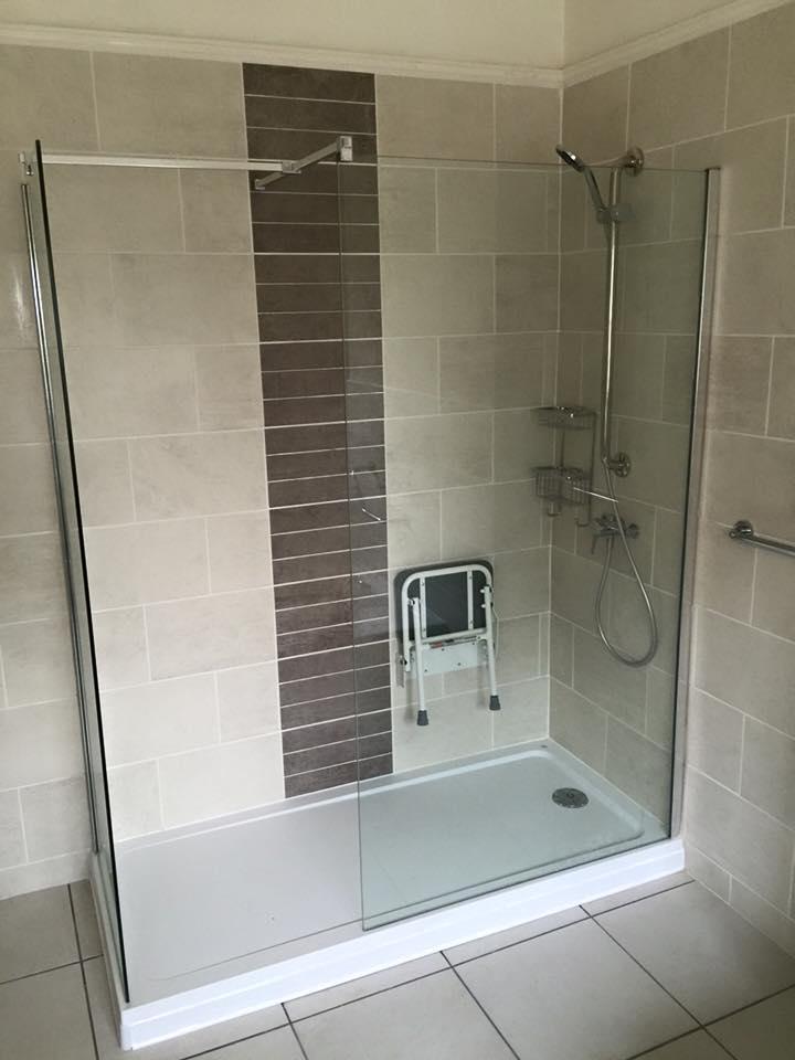 Stylish shower unit