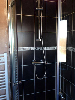 Stylish shower unit