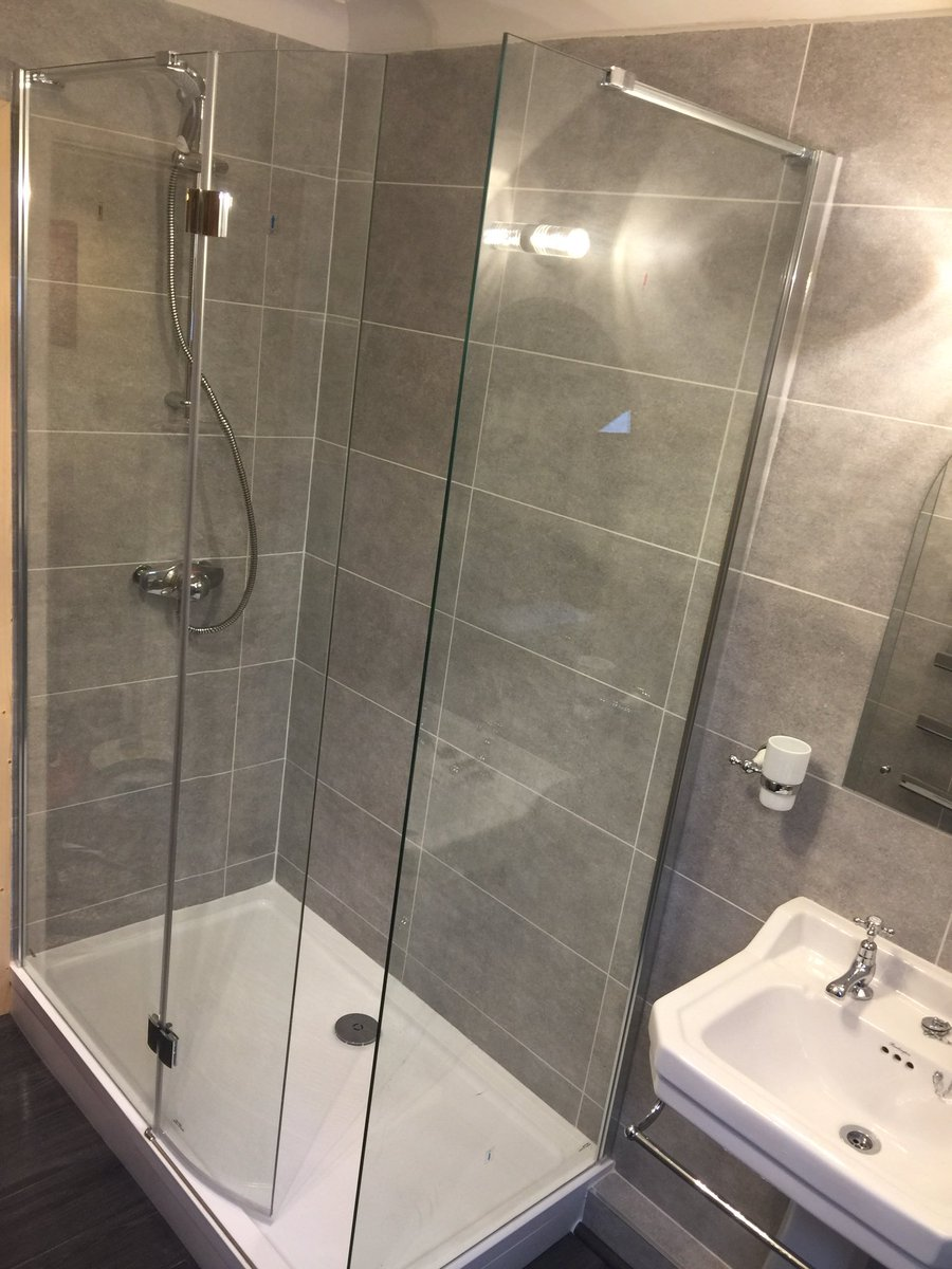 Enclosed Shower Unit