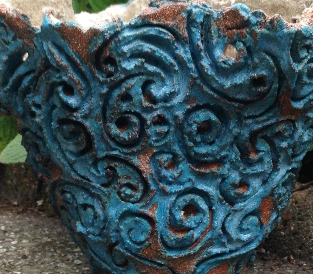 Turquoise_swirls_vessel.jpg