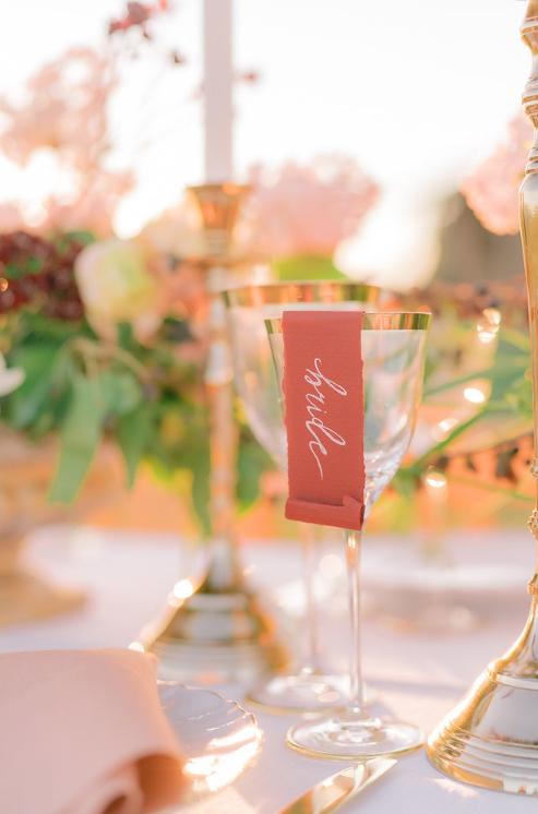 Segnaposto Matrimonio in Val d'orcia wedding Flower Locanda in Tuscany mise en place table decor