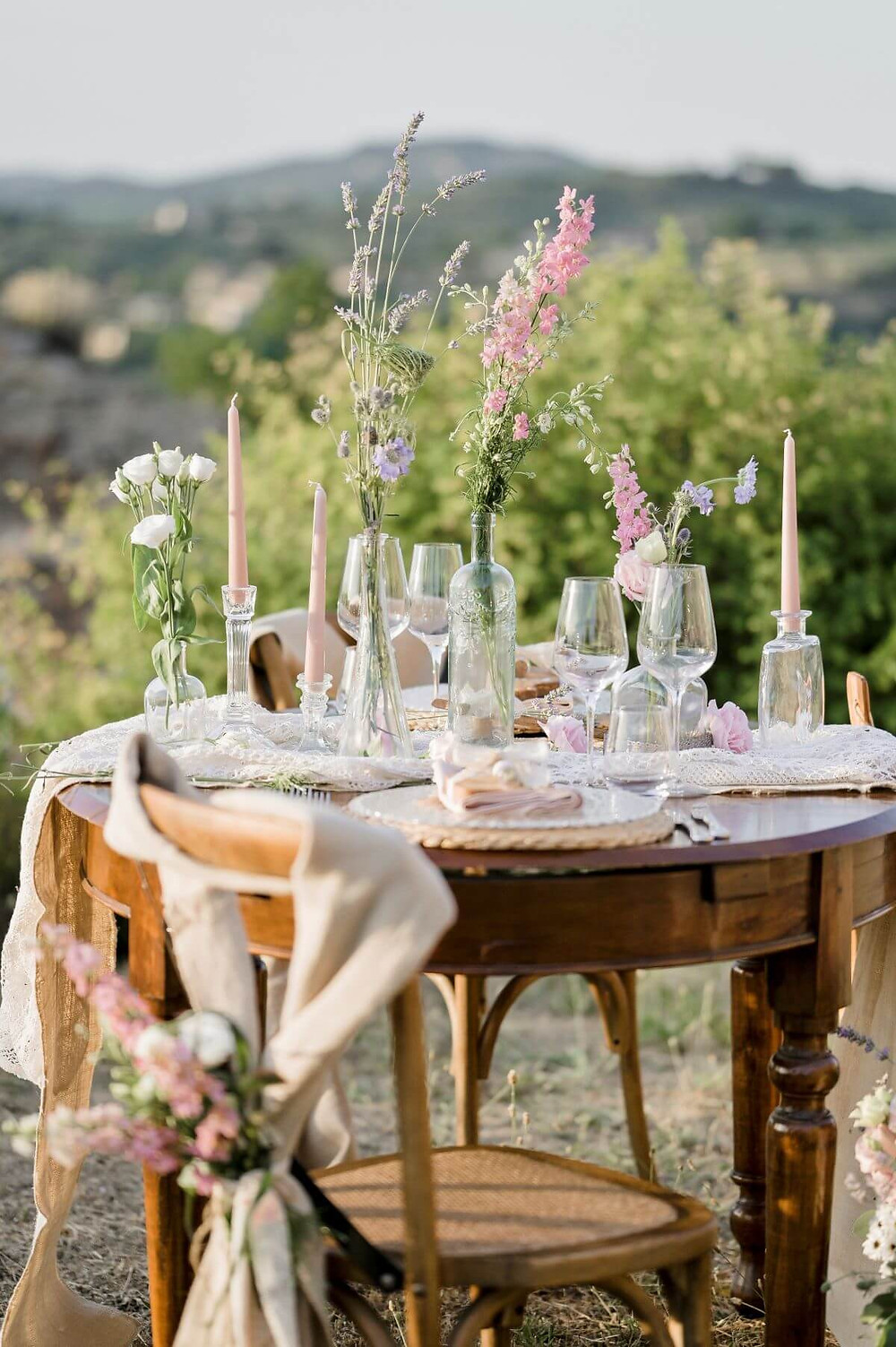 Mise en place wedding on Tuscany hills Fortezza di Poggio Imperiale