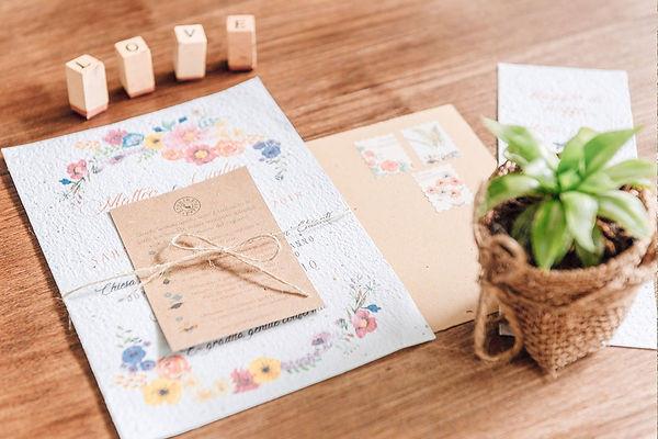 partecipazioni carta piantabile growing paper carta riciclata invito matrimonio fiori acquerello