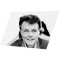 Prof. Peter Schwenkow.png