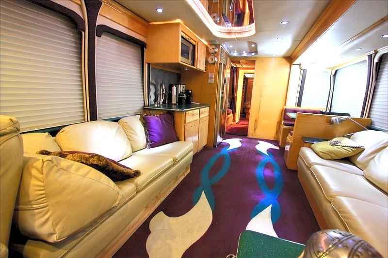 Mci ELS4500 Living Room
