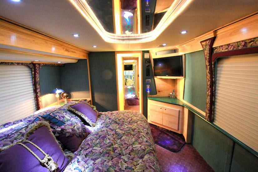 MCI ELS4500 Bedroom