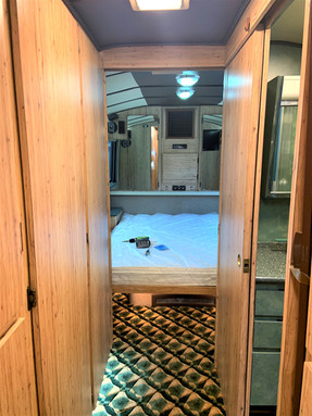 83 Prevost Hallway & bedroom