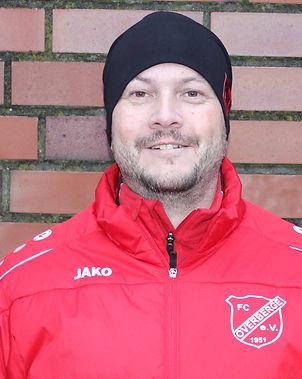 Thomas Clemendt              Trainer