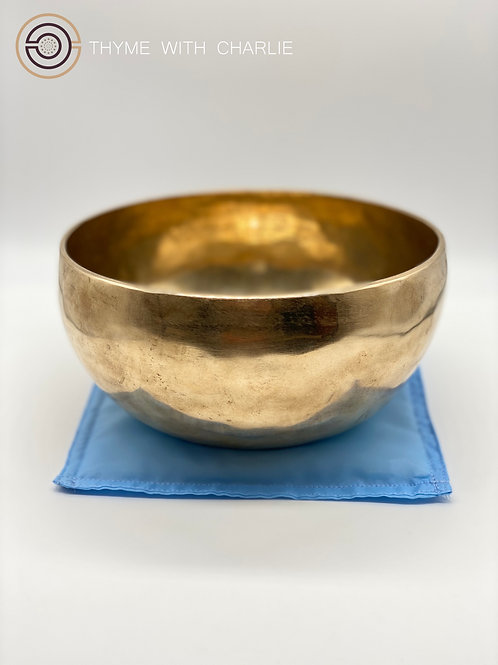 Handmade Singing Bowl - Visudda, Throat Chakra