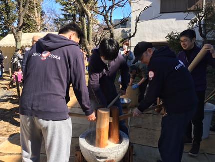 2.12 調布大塚小学校「餅つき大会」