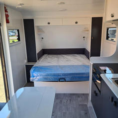 Queen Island main bed
