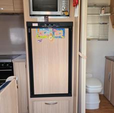 Full size fridge/freezer/Microwave