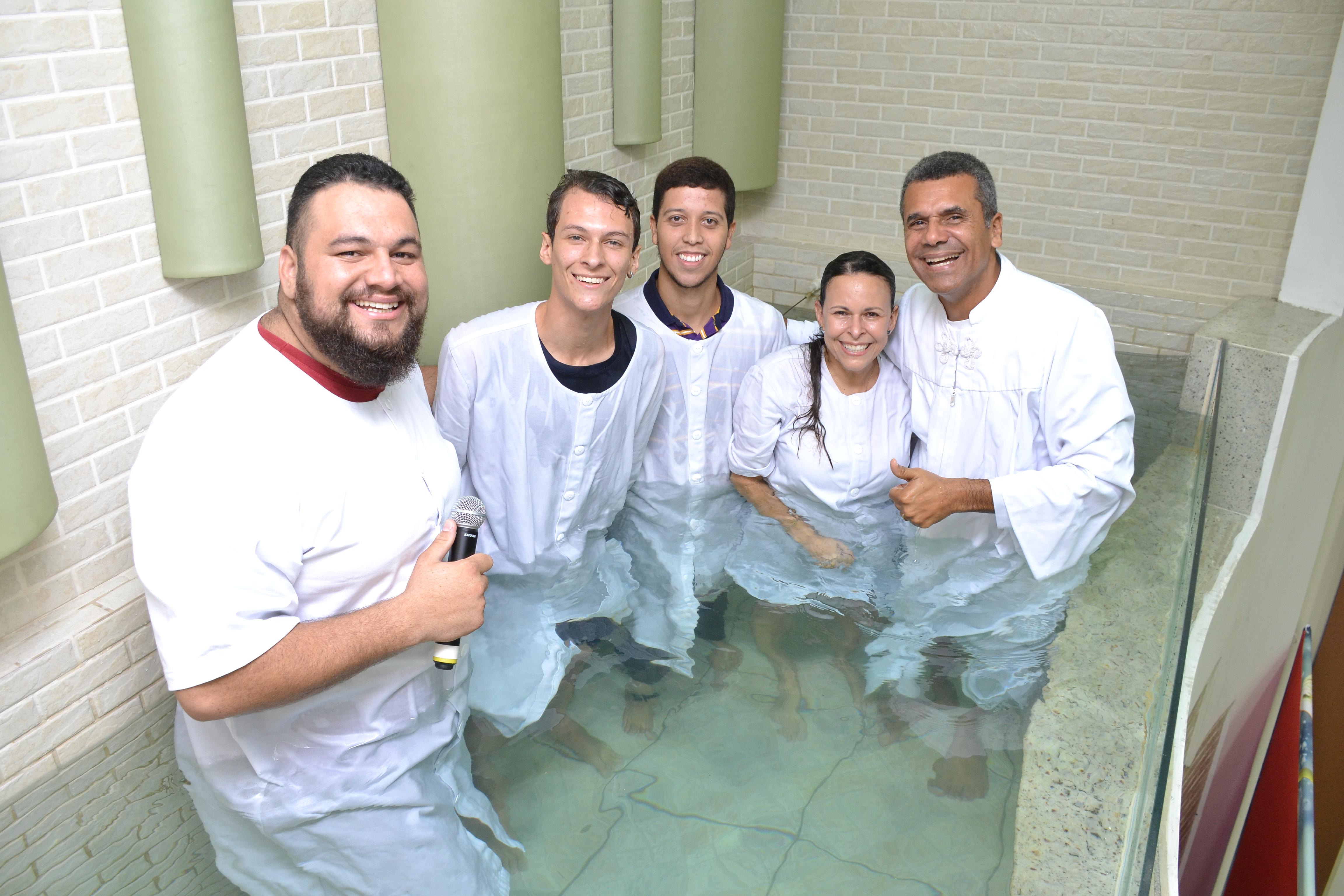 Batismos de Março