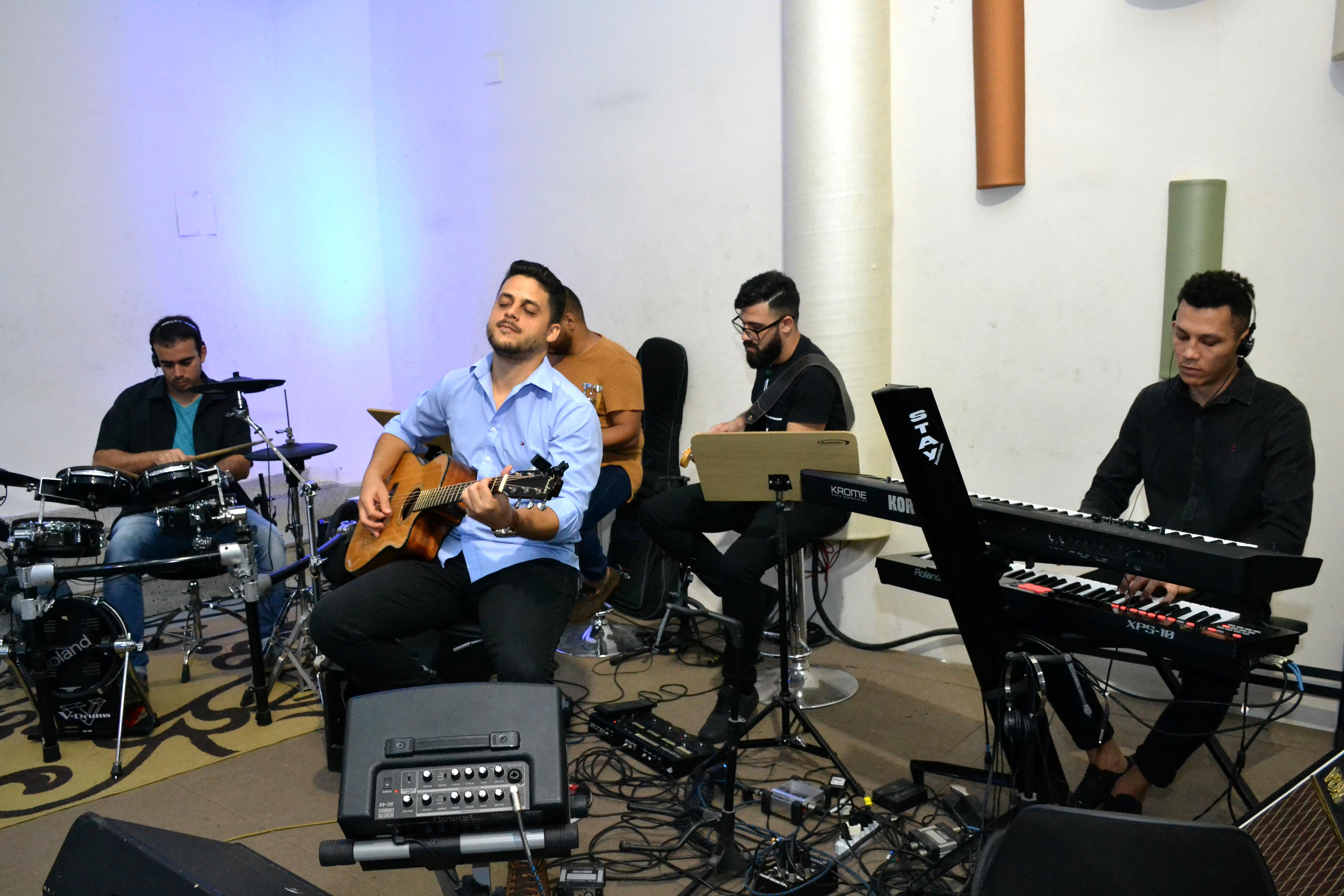 03 -11-2019_Louvor e Voz (40)
