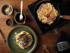 Okonomiyaki_photo_pkeungw.jpg