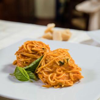 Gianni'sSpaghettiAlFormaggioParmigiano16