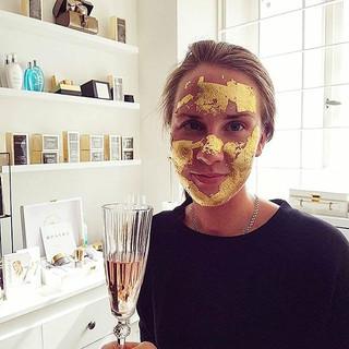 24k gold mask, en av våra favoriter! _Vi
