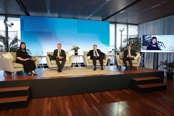 AFA 141020cVConf MCA-9_Economists Panel_