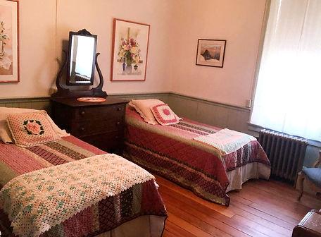 Room 15_edited.jpg